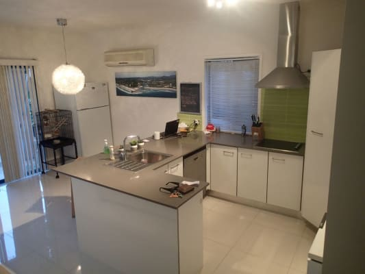 $180, Share-house, 3 bathrooms, Guineas Creek Road, Elanora QLD 4221