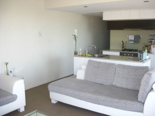 $425, Flatshare, 2 bathrooms, Harbour Esplanade, Docklands VIC 3008