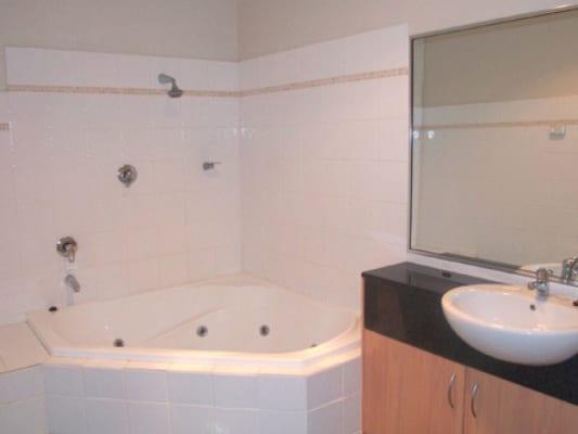 $200, Share-house, 3 bathrooms, Helemon Street, Braddon ACT 2612
