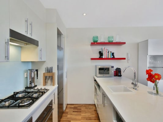 $530, Flatshare, 2 bathrooms, Botany Road, Redfern NSW 2016