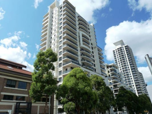 $390, Flatshare, 3 bathrooms, Herbert Street, Saint Leonards NSW 2065