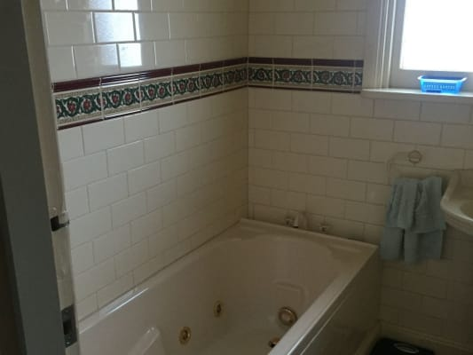 $180, Share-house, 5 bathrooms, Hewitts Rd , Carnegie VIC 3163
