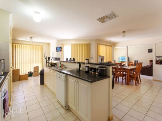 $185, Share-house, 5 bathrooms, Homestead, Berwick VIC 3806