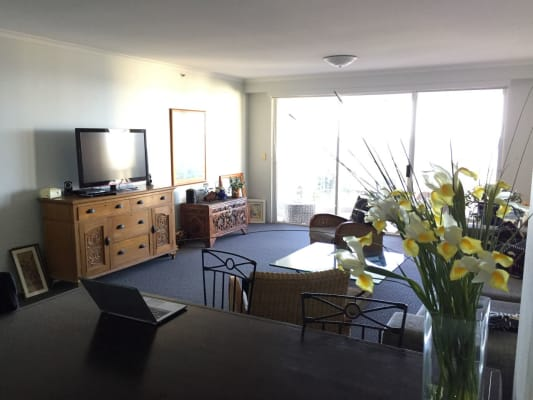 $250, Flatshare, 2 bathrooms, Hughes Avenue, Main Beach QLD 4217