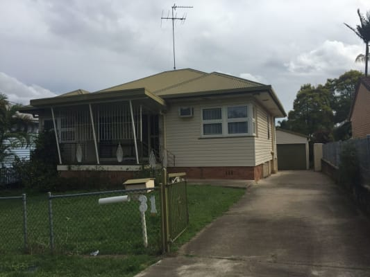 $155, Share-house, 3 bathrooms, Justin St, Holland Park West QLD 4121