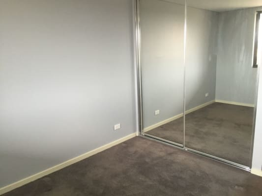 $180, Flatshare, 2 bathrooms, Midgegooroo Avenue, Cockburn Central WA 6164