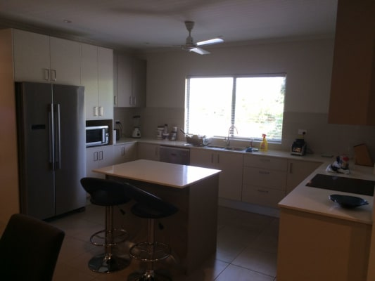 $240, Flatshare, 3 bathrooms, Mitchell Street, Larrakeyah NT 0820