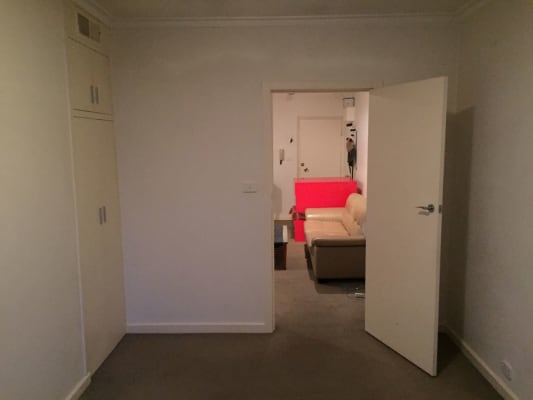 $215, Flatshare, 2 bathrooms, Mona Place, South Yarra VIC 3141