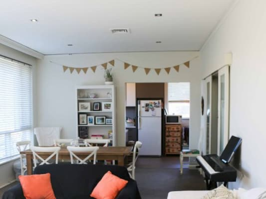 $270, Flatshare, 3 bathrooms, New Street, Brighton VIC 3186
