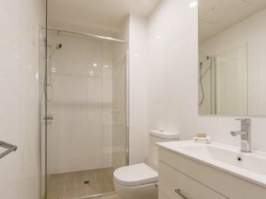 $275, Flatshare, 2 bathrooms, Northbourne Avenue, Braddon ACT 2612