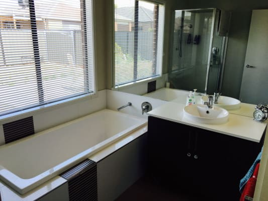 $170, Share-house, 3 bathrooms, Nossal Drive, Point Cook VIC 3030