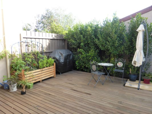 $250, Share-house, 3 bathrooms, Pareora Avenue, Brunswick East VIC 3057