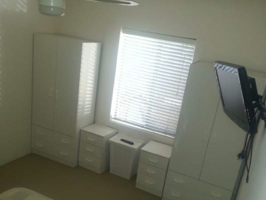 $180, Flatshare, 3 bathrooms, Pollard Street, Glendalough WA 6016