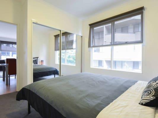 $350, Flatshare, 2 bathrooms, Queens Road, Melbourne VIC 3000
