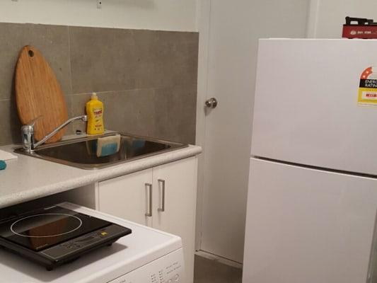 $175, Share-house, 4 bathrooms, Rio Vista Blvd, Broadbeach Waters QLD 4218