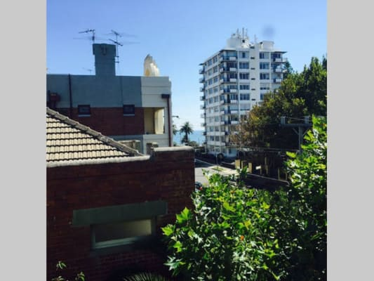 $250, Flatshare, 3 bathrooms, Robe St, Saint Kilda VIC 3182