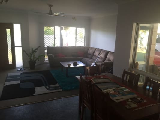 $135, Share-house, 3 bathrooms, Robert Rd, Bentley Park QLD 4869
