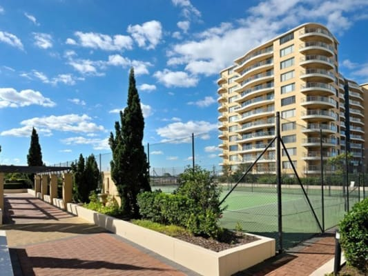 $300, Flatshare, 2 bathrooms, Rockdale Plaza Drive, Rockdale NSW 2216