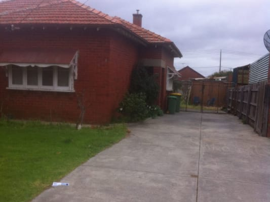 $150, Share-house, 3 bathrooms, Royal Parade, Reservoir VIC 3073
