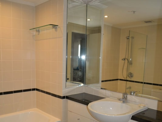 $400, Flatshare, 2 bathrooms, Seargents Lane, Saint Leonards NSW 2065