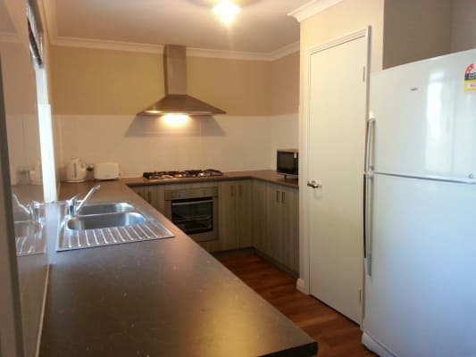 $160, Share-house, 5 bathrooms, Sleight Street, Saint James WA 6102