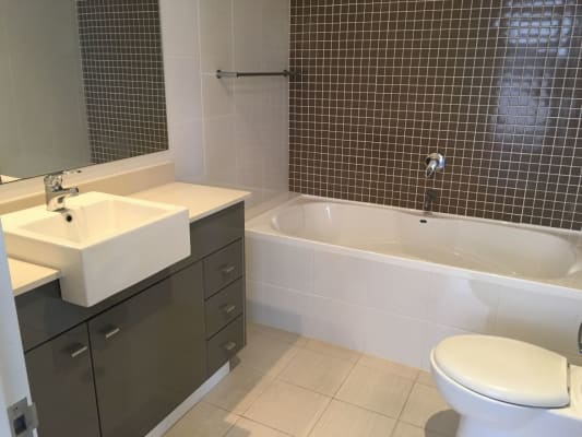 $370, Flatshare, 2 bathrooms, South Dowling Street, Waterloo NSW 2017