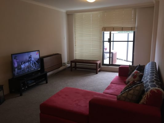 $350, Flatshare, 2 bathrooms, Springfield Avenue, Potts Point NSW 2011