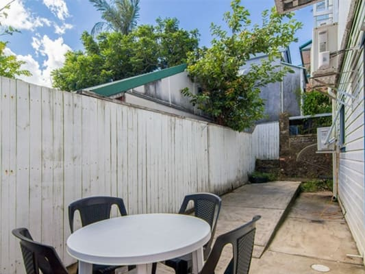$210, Flatshare, 3 bathrooms, Stanley Street East , East Brisbane QLD 4169