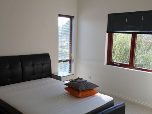 $210, Share-house, 5 bathrooms, Station Street, Burwood VIC 3125