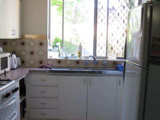 $165, Flatshare, 3 bathrooms, Stirling St, Highgate WA 6003
