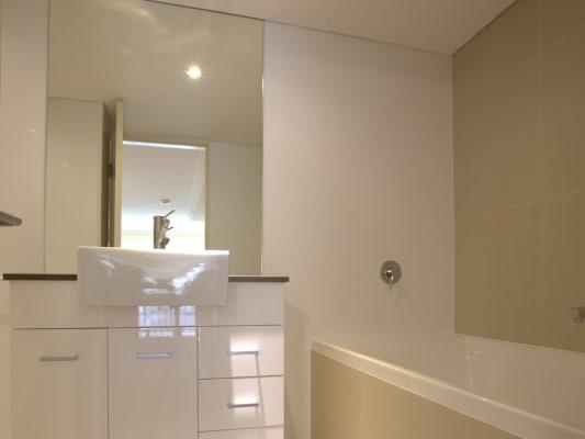 $1,275, Flatshare, 2 bathrooms, Wentworth Park Road, Glebe NSW 2037