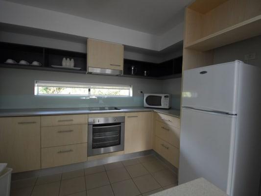 $250, Flatshare, 2 bathrooms, Weyba Road, Noosaville QLD 4566