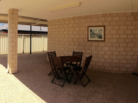 $145, Share-house, 5 bathrooms, Balaka Way, Queens Park WA 6107