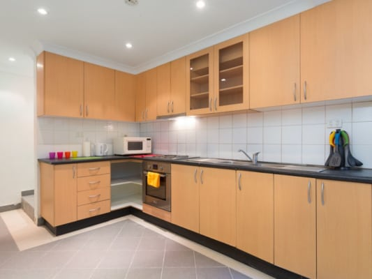 $290, Share-house, 5 bathrooms, Bourke Street, Darlinghurst NSW 2010