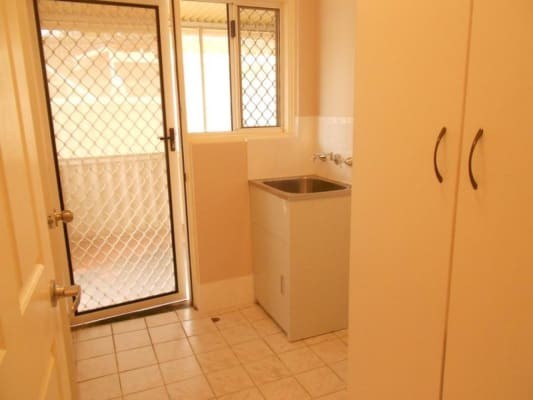 $120, Share-house, 4 bathrooms, Cameron Street, Embleton WA 6062