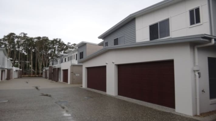 $220, Share-house, 3 bathrooms, Central Street, Labrador QLD 4215