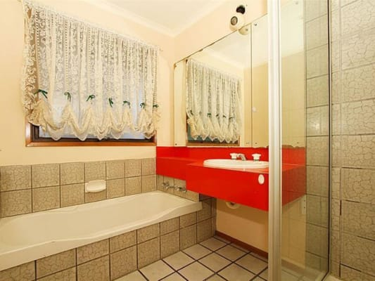 $130, Share-house, 3 bathrooms, Childs Road, Mill Park VIC 3082