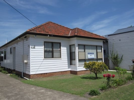 $200, Share-house, 3 bathrooms, Clyde Street, Hamilton North NSW 2292