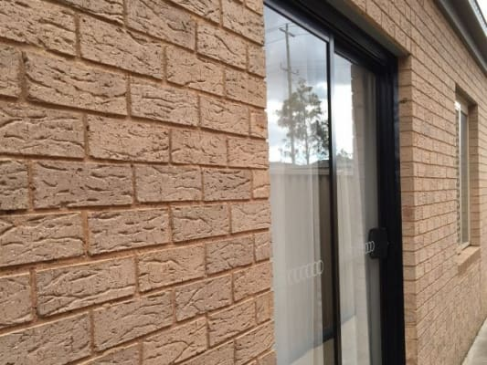 $165, Share-house, 2 bathrooms, Como Glen, Caroline Springs VIC 3023