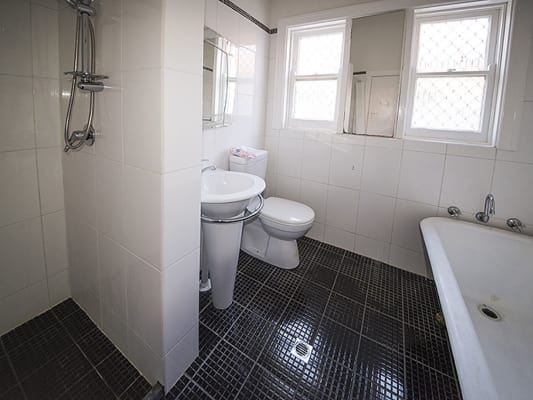 $140, Share-house, 4 bathrooms, Drew Road, Ardross WA 6153