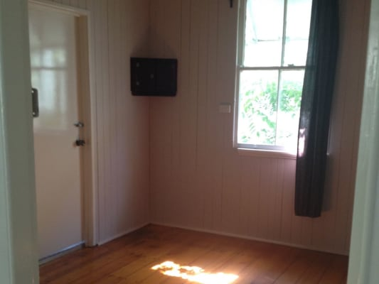 $165, Share-house, 3 bathrooms, Farm Street, Newmarket QLD 4051