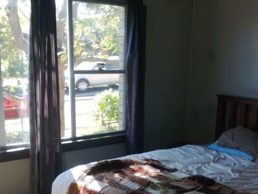 $300, Share-house, 3 bathrooms, Griffin Rd, North Curl Curl NSW 2099