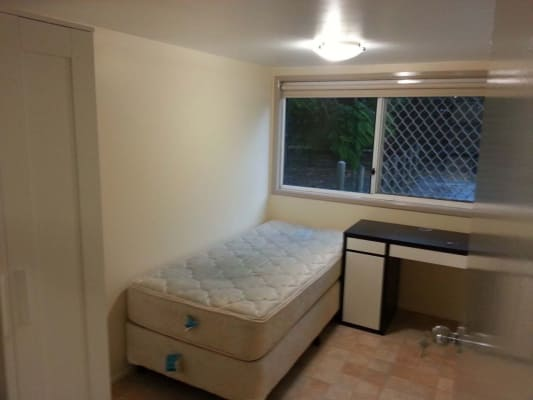 $160, Share-house, 3 bathrooms, Harrys Road, Taringa QLD 4068