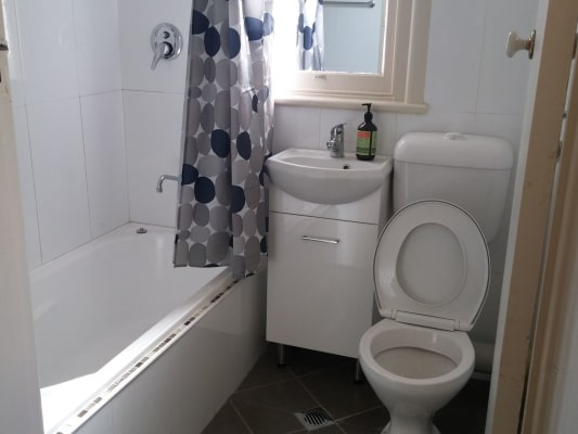 $180, Share-house, 5 bathrooms, Hill Street, Orange NSW 2800