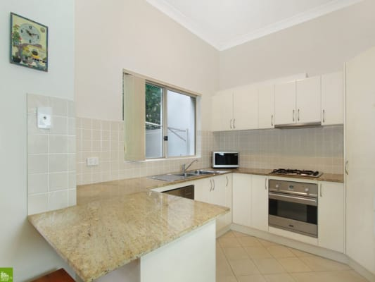 $210, Share-house, 3 bathrooms, Kumbardang Ave, Miranda NSW 2228