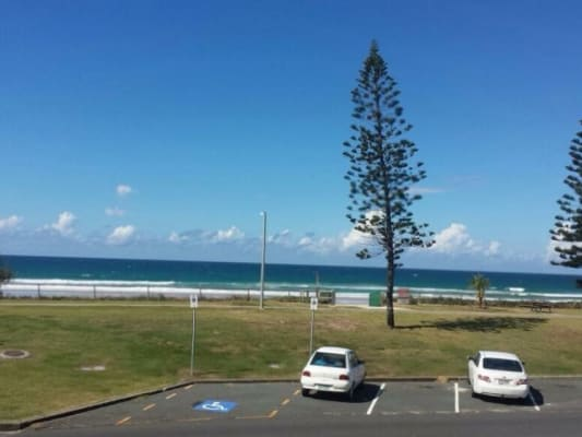 $200, Share-house, 3 bathrooms, Marine Parade, Miami QLD 4220