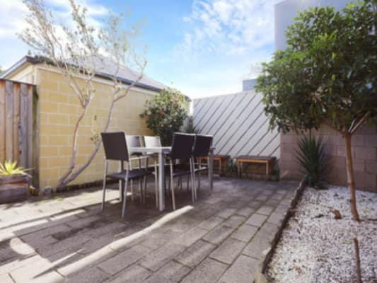 $295, Share-house, 3 bathrooms, Nicholson St, South Yarra VIC 3141
