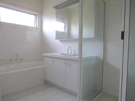 $250, Share-house, 3 bathrooms, Parkside Street, Elsternwick VIC 3185