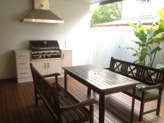 $200, Share-house, 3 bathrooms, Simon Street, Yeronga QLD 4104