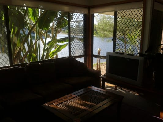 $175, Share-house, 3 bathrooms, Sunbird St., Burleigh Waters QLD 4220